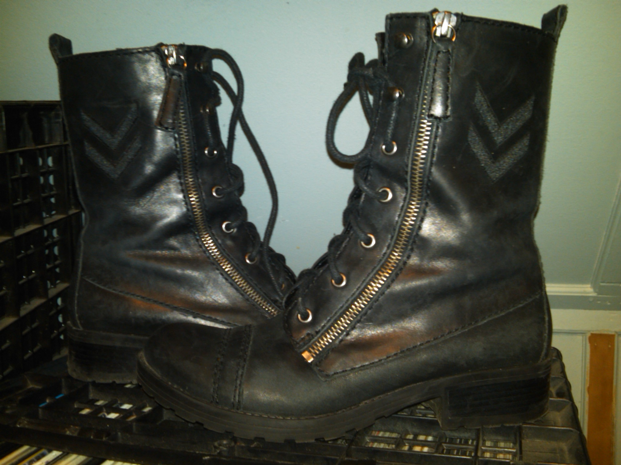 burberry aviator boots