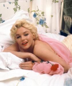 -Marilyn-Monroe-marilyn-monroe-31980490-500-597