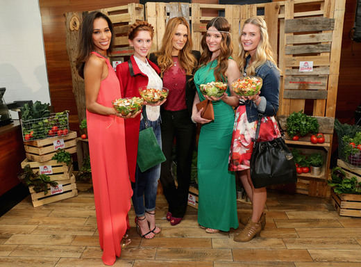Molly Sims Wendys New Salad Collection